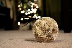 9 Easy and Free Last Minute Christmas Decorating Ideas